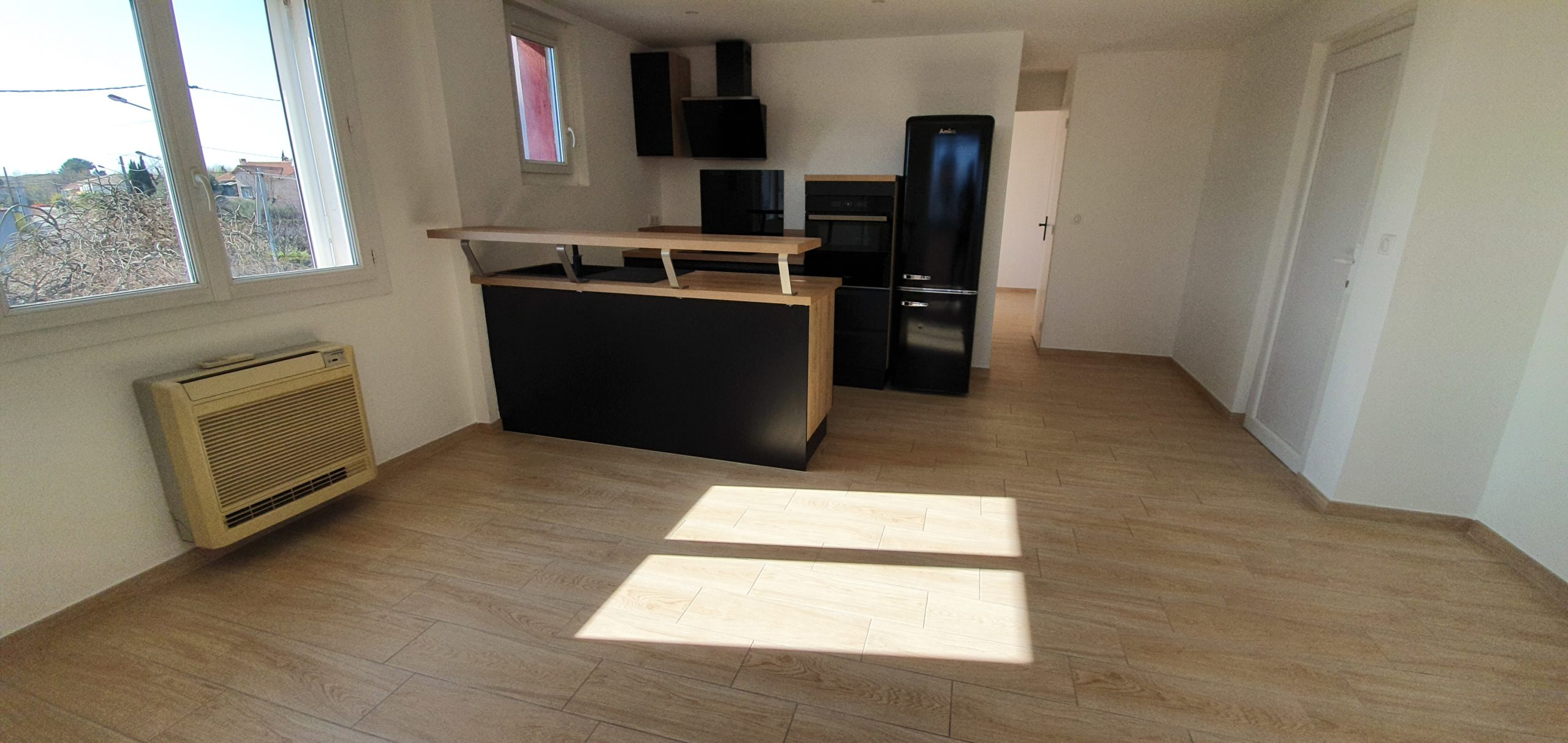 Marignane boulevard Clemenceau appartement de type 2 de 44.24 m2 + un balcon fermé et un balcon ouvert