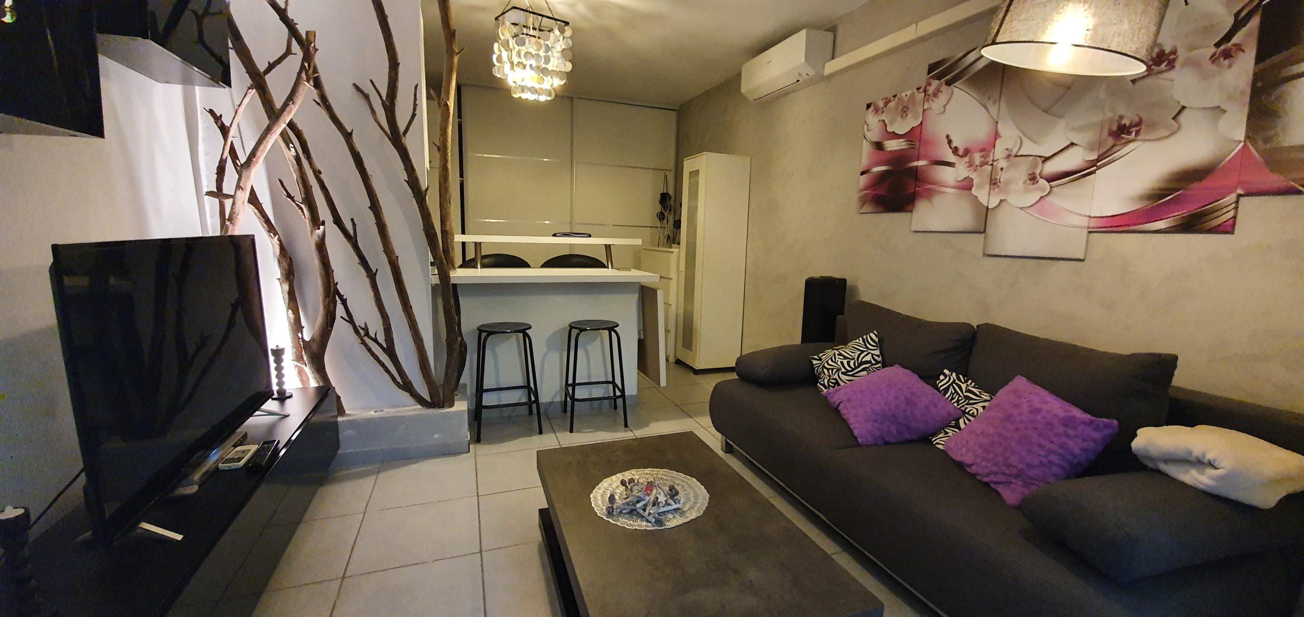 Vitrolles magnifique appartement type 1/2 de 33.03 m2 loi carrez + balcon dans une copropriété calme et sécurisée possibilité en sus d'un parking fermé sous sol