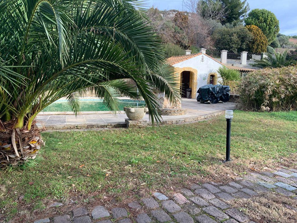Villa T6 185m2 sur 2200m2 de terrain